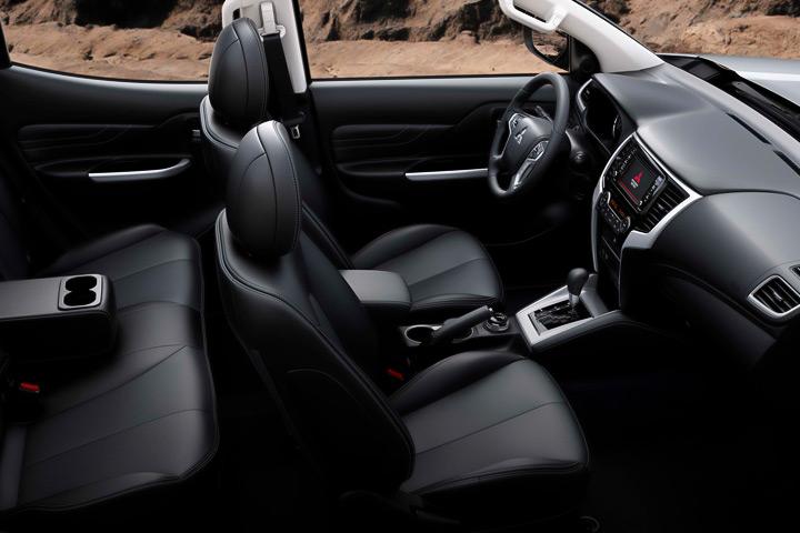 recorre-peru-new-l200-interior