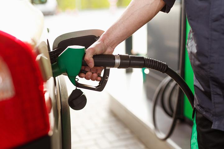 mito-camionetas-combustible