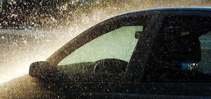 no-confies-fuertes-lluvias-limpiar-vehiculo